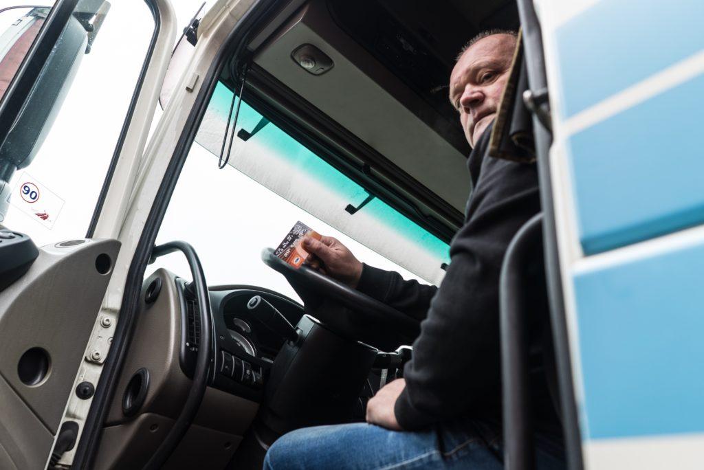 La-carte-DKV-permet-de-s-approvisionner-en-GNV-dans-des-stations-Air-Liquide-et-Engie.